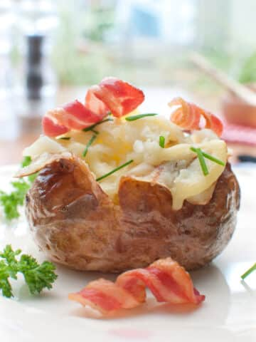 Instant Pot Baked Potato is fluffy on the inside, crispy on the outside, and so delicious.