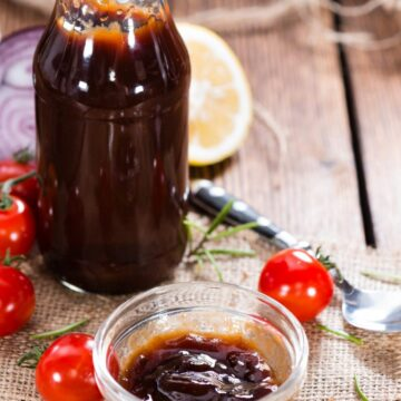 Homemade Sweet and Tangy BBQ Sauce similar in taste to Sweet Baby Rays. Perfect for bbq ribs in the oven.