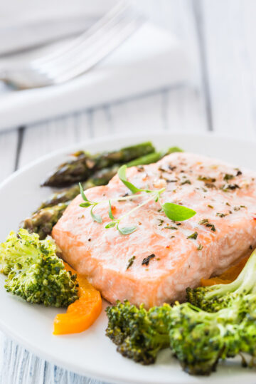 Oven baked salmon with vegetables for an easy family meal