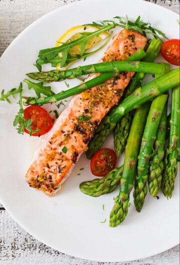 Instant Pot Salmon with asparagus for two ready in under 15 minutes.